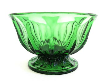 Vintage Anchor Hocking Fairfield Green Glass Bowl Compote Candy Dish