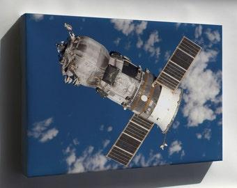 Canvas 24x36; Progress Spacecraft Russian