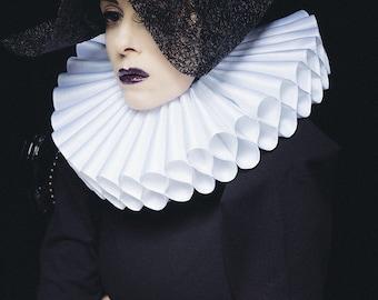 Millstone Collar Haute Couture Design Collar, Gran Gola, Renaissance Neck Collar. Very large! Handmade in Germany