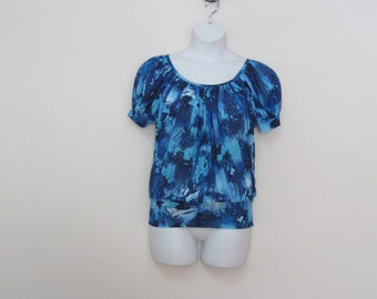 Vintage Stretchy Shades of Blue Peasant Top with Stretchy Bottom Light Weight Misses Medium See DETAILS