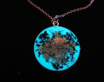 Real flower round necklace/ glow in the dark