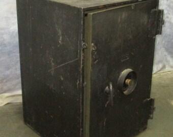HHM Herring Hall Marvin Combination Lock Safe Vintage Cast Iron Money Bank Vault