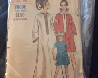 1970's Vintage Vogue Dress Pattern- size 12 bust 34 hips 36