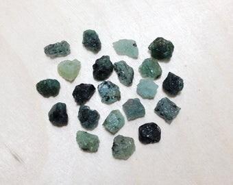 Raw emerald, rough emerald gemstone lot // B*3108