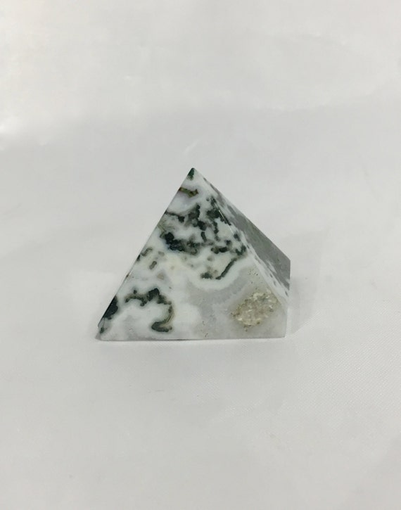 TREE AGATE Pyramid// Tree Agate// Crystal PYRAMID// Agate Pyramid// Stone Carved Pyramid// Healing Crystals// Healing Tools// Home Decor