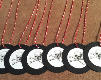 Skull and Crossbones Pirate Party Favor Tags. Set of 5.
