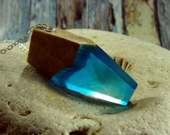 Nature Lovers Gift Blue Oak Wood and Resin Necklace Necklace Wood Resin Jewelry Summer Necklace Nature Jewelry Geometric Necklace