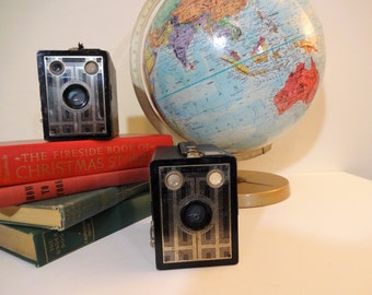 Kodak Brownie Junior 620 Box Camera - 1930's Art Deco Design - Working - Rochester NY - Collectible