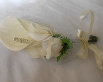 Set of 6 Ivory  Calla lilies and buds   boutonniers or corsages
