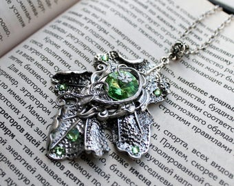 Fantasy silver plated swarovsk green key necklace