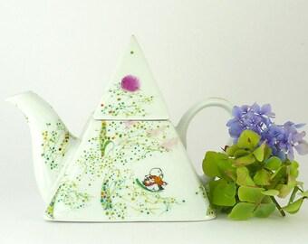 Porcelain Teapot,Ceramic Teapot,Théière en Porcelaine,Pyramid Shape Teapot,Green,Yellow Teapot,