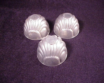Lot of 3 Vintage Aluminum Metal Round  Shell Shape Molds for Jell-O, Jello, Retro, Old, Gellatin