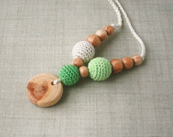 Crochet Wooden Teething necklace for mom Organic Nursing necklace Breastfeeding newborn Babywearing jewelry Juniper pendant Waldorf toy Boho
