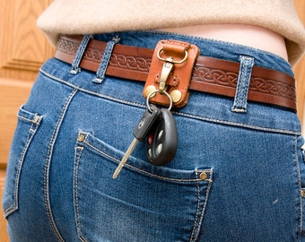 Belt key holder made of veg tanned leather