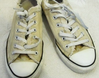 RUGGED Vintage RETRO Pale Yellow CONVERSE All Star Low Top Sneakers.8-Men