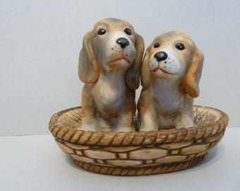 Basket of Beagle Pups, Figurine