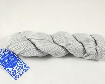 Alpaca Gold yarn, 100% Super Baby Alpaca, color Pearl Grey.