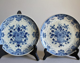 Set of 2 DELFT BLUE Plates by ZENITH Gouda in Holland Entirely Hand Painted Blue and White Floral Decoration Vintage Dutch Delft Art Pottery