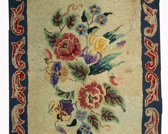 ON SALE 20% Off 2.2' X 3.4' ( 67cm X 103cm) handmade antique floral American hooked rug 1900