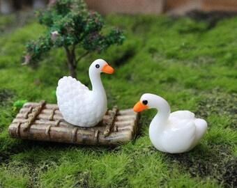 3pcs Miniature Tiny Swans and Bamboo Raft Garden Supplies Succulent Terraium Decor DIY Accessories