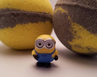 Minions Surprise Inside Bath Bomb - Fizzing and foaming bath bomb, fun bath experience, moisturizing oils and butters, great gift idea, kids