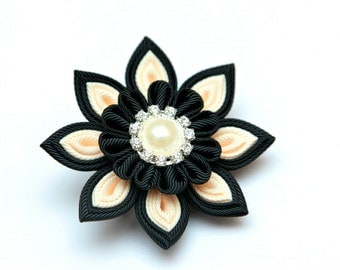 Kanzashi flower brooch, black and ivory, kanzashi brooch, fabric brooch,  ladies brooch Fabric flower