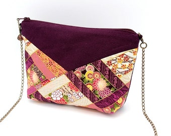 Small plum shoulder bag enhanced with Japanese flowers