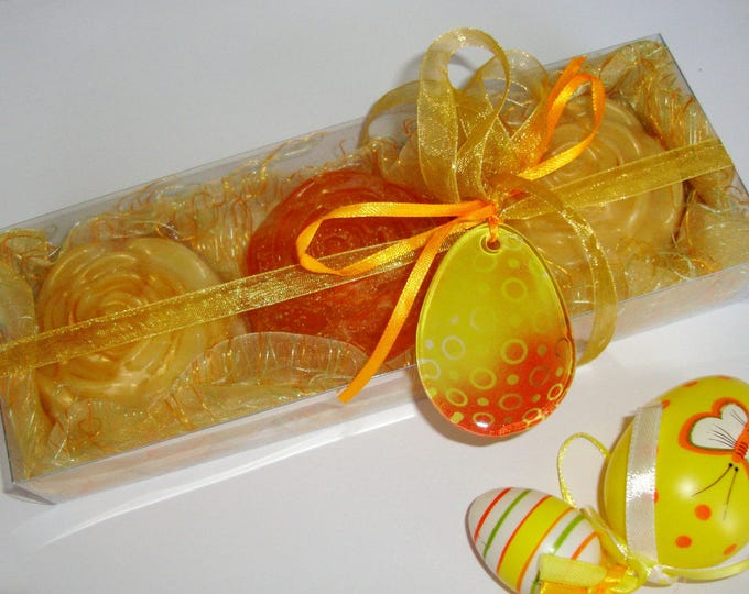 Golden Luxury Easter Gift Set, Fine Floral Scented Soaps, Handmade Yellow Orange Glass Decorative Egg, Easter Hostess Gift, Party Gift Idea