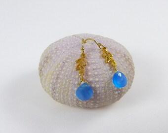Gold leaf blue chalcedony earrings, dangle bleu gemstone earrings, chalcedony drops earrings, gold leaf earrings, wedding earrings