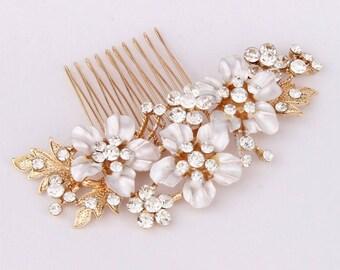 Wedding Hair Comb, Gold Bridal Hair Accessory, Bridal Hair Comb Flower, Bridal Hair Jewelry, Wedding Headpiece, Bridesmaid Hairpiece