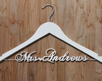 Engagement Gift, Personalized Wedding hanger, Bridal Hanger, Wedding Shower Gift, Custom Bride Hanger, Future Mrs hanger, vet0006