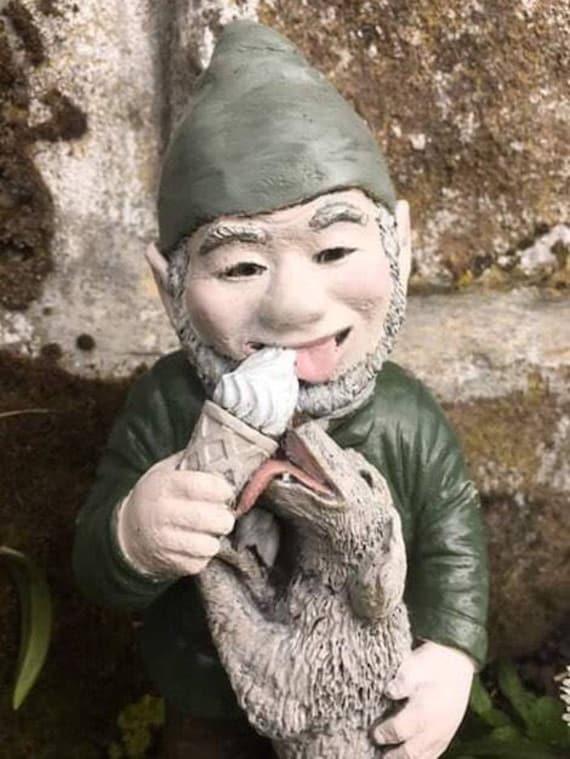 Gnome Garden: Garden Gnome Concrete Statue