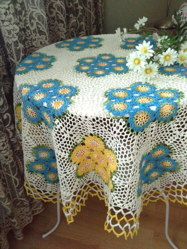 Crochet tablecloth handmade crochet tablecloth home decor for Crochet decorations for home