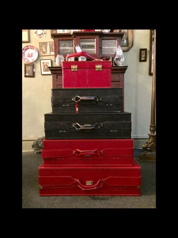 Excellent-5 Piece-Vintage-1975-Black-Red-Belted-Leather-Set-With Keys-In Original Boxes-Hartmann Luggage-Very Clean-Gently Used