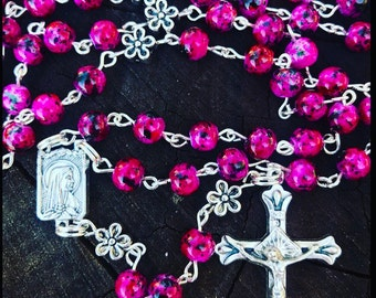 Woman's Rosary. Hot pink and black.  Catholic Rosary, rosary beads, prayer beads, . Catholic Rosary. Prayer Beads. Rosary beads. Pink Rosary