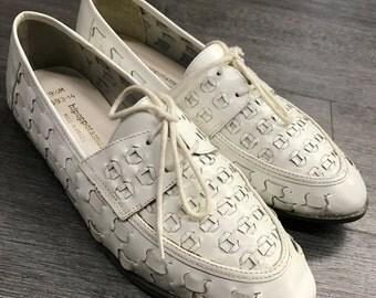 Vintage Hipoppotamus White Shoe
