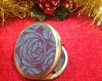 Oscha Roses Capulet compact mirror