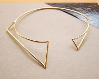 Asymmetric necklace