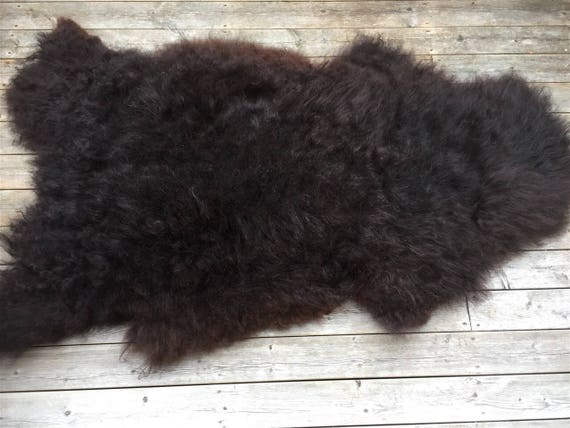 Long haired, soft and large sheepskin rug. Black 17073