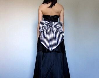 80s Black White Strapless Dress Bow Back Satin Party Dress Ball Gown Black Full Floor Length Prom Dress Jessica McClintock - Extra Small XXS