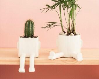Ceramic planter – Basic Sitting – Size S. Handmade ceramic pot.