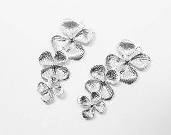 P0496/anti-Tarnished Matte Rhodium plating Over Brass/4 Petals Linked Pendant/15x35mm/2pcs