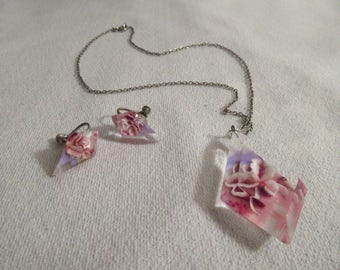 Vintage Absolute Stunning Pink 3D Necklace with Screw Back Earrings