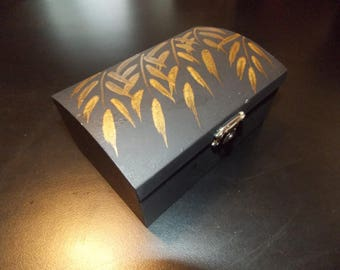 Handpainted Wisteria Leaf Trinket Box FREE SHIPPING!