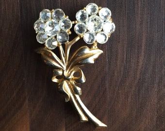 Vintage Gold Jeweled Flower Bouquet Brooch Pin