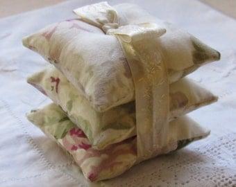Lavender Bags, Lavender Sachets, Lavender Freshener, Vintage Inspired, Vintage Ribbon, Floral Cotton Print Lavender Bags