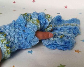 Dragon Gloves, Wrist Warmers, Dragon Scale Mittens, Fingerless Gloves, Ombre Colouring, Gift for Auntie, Winter Fashion, Unique Gloves