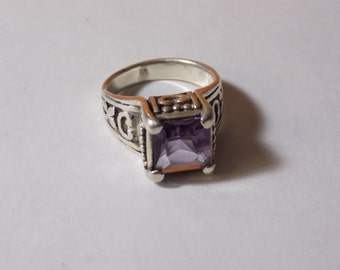 Stunning large amethyst sterling silver ring size 7.25