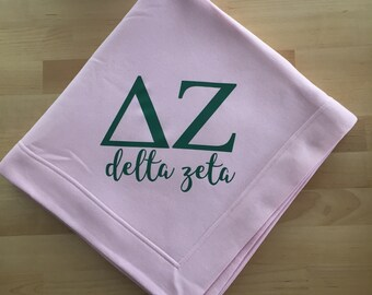 Delta Zeta Blanket; Sweatshirt Blanket; Sorority Gift; Sorority Blanket; Big little sorority; Delta Zeta Gift