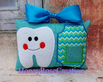 Tooth fairy pillow.Embroiderd tooth pillow.